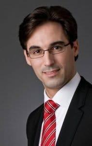gute businessfotos Businessfotos mann mit brille vom fotograf frankfurt neunundzwanzig