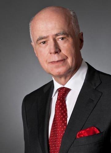fotostudio wiesbaden Businessfotos mann mit roter krawatte frankfurt fotografie zweiundreissig