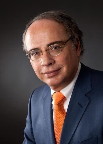 fotostudio mannheim Businessfotos mannheim mann mit orangener krawatte von fotografen frankfurt fünfunddreissig