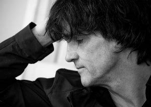 fotostudio frankfurt Portrait-Mann-nachdenklich einundvierzig