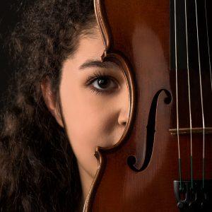 Portraitfoto-Maedchen-Geige- sechsunddreisig
