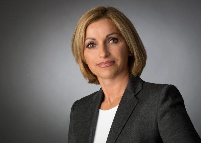 Serie Senator 4