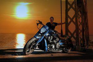 fotoshooting mit motorrad vom fotograf frankfurt neun