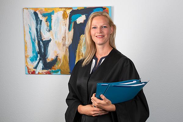 Anwältin fotografiert vom Fotostudio Das Portrait, Frankfurt